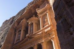 Al Khazneh eller kassan på Petra, Jordanien royaltyfri bild