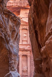 Al-Khazneh famoso o Hacienda de la tumba en el Petra Fotos de archivo libres de regalías