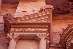 Al-Khazneh famoso o Hacienda de la tumba en el Petra Imágenes de archivo libres de regalías