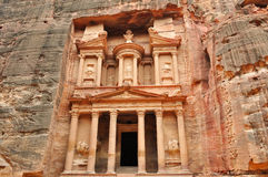 Al Khazneh front view - the treasury of Petra Stock Photo