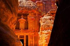 Al-Khaznehtempel i Petra royaltyfri foto