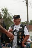 Al Larsen på räddningen som vårt kors samlar, Knoxville, Iowa Arkivfoton