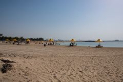 Al Mamzar Beach i Dubai fotografering för bildbyråer