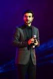 Al-Mohandis d'Majid de chanteur exécute sur l'étape pendant le grand concert des récompenses 2016 de musique d'Apple Images stock
