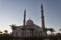 Al Mustafa Mosque i aftonen Fotografering för Bildbyråer