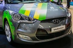 Al nieuwe Veloster met de huid van Brazilië voor voetbalwereldbeker van Hyundai bij de Internationale de Motorshow van 35ste Bangk Stock Foto's