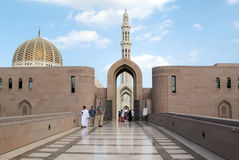 Al Qubrah清真寺在马斯喀特阿曼 免版税库存图片