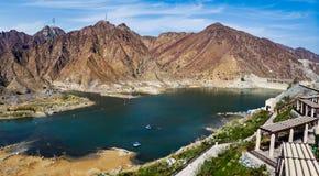Al Rafisah Dam nel panorama aereo degli Emirati Arabi Uniti fotografia stock libera da diritti