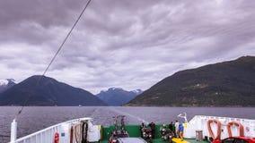 Al rallentatore del traghetto del trasporto in Norvegia stock footage
