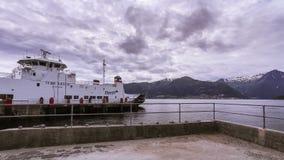 Al rallentatore del traghetto del trasporto in Norvegia archivi video