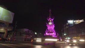Al rallentatore dell'orologio dorato in Chinagrai Tailandia stock footage
