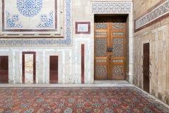 Al Rifaii清真寺皇家清真寺内部  免版税图库摄影