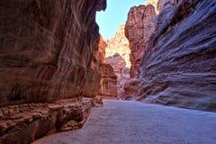 Al Siq Gorge em Petra Ancient City, Jordânia fotos de stock royalty free