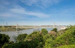 Al Zampa och Carquinez broar bär USA I80 över floden Arkivbilder