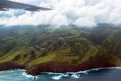 Ala de un pequeño avión sobre la costa de Maui en Hawaii Fotos de archivo libres de regalías