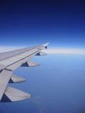 Ala del aeroplano. Foto de archivo