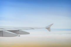 Ala dell'aeroplano dalla finestra Fotografia Stock