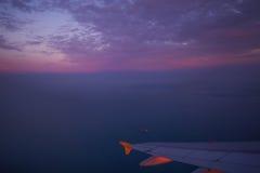 Ala di aereo nella sera Fotografia Stock Libera da Diritti