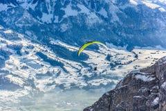 Ala flexible en montañas Fotos de archivo libres de regalías