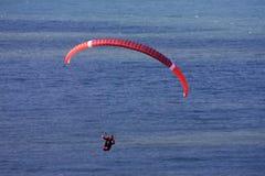 Ala flexible sobre el mar imagen de archivo libre de regalías