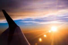 Ala piana aerea con il fondo del cielo Fotografia Stock