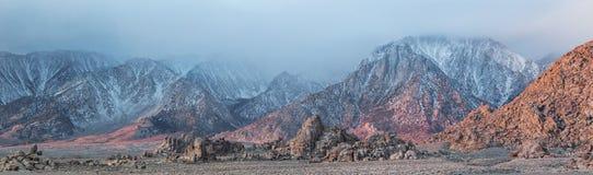Alabama-Hügel und Sierra Nevada Mtns stockfotos