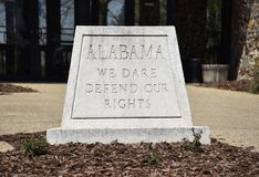 Alabama nós para ousar defendemos nossa divisa do estado dos direitos imagens de stock royalty free