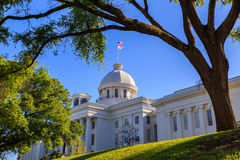 Alabama statKapitolium Front Right Angle royaltyfria bilder