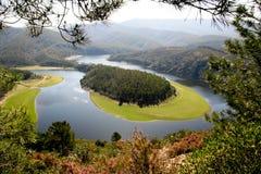 Alagon河,埃斯特雷马杜拉(西班牙)的河曲 免版税库存图片