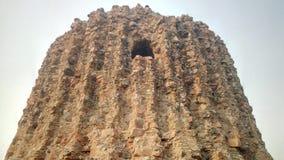 Alai Minar, ο ελλιπής μιναρές κοντά σε Qutub Minar Στοκ εικόνα με δικαίωμα ελεύθερης χρήσης