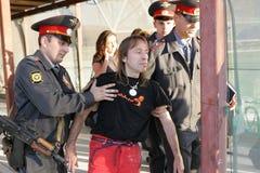 Alain Robert arresteerde in Moskou stock fotografie