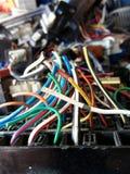 Alambres eléctricos inútiles viejo Nick de la electrónica Fotos de archivo libres de regalías
