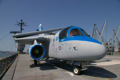 ALAMEDA, ΗΠΑ - 23 ΜΑΡΤΊΟΥ 2010: S-3 Βίκινγκ, αεροπλανοφόρο Hornet Alameda, ΗΠΑ στις 23 Μαρτίου 2010 Στοκ Φωτογραφίες