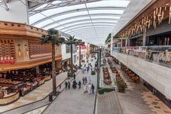 A alameda das avenidas na Cidade do Kuwait fotos de stock royalty free