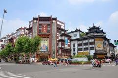 Alameda de compra do chinês tradicional, Shanghai, China Fotografia de Stock Royalty Free