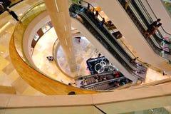 Alameda de compras de ION Orchard Singapur Fotos de archivo libres de regalías