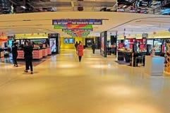 Alameda de compras de la manera del Queens, Hong-Kong foto de archivo