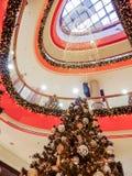 Alameda de compras de la Navidad Imagen de archivo libre de regalías