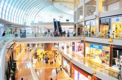 Alameda de compras de Marina Bay imagen de archivo libre de regalías