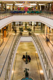 Alameda de compras de niveles múltiples Fotografía de archivo libre de regalías