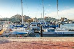 Alameda de compras de Puerto Paraiso y puerto deportivo Imagenes de archivo