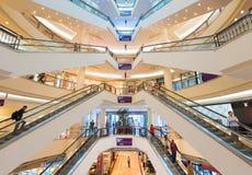 Alameda de compras de Suria KLCC dentro Fotos de archivo libres de regalías