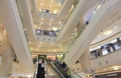 Alameda de compras de Taipei 101 Taipei Taiwán Imagen de archivo