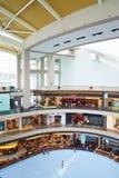 Alameda de compras en Singapur Foto de archivo libre de regalías