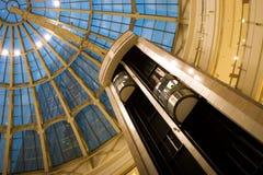 Alameda de compras interior Foto de archivo libre de regalías