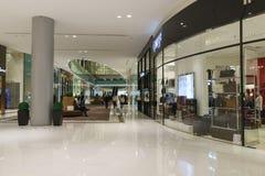 A alameda de Dubai Fotos de Stock Royalty Free