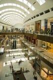 Alameda de Dubai adentro Foto de archivo libre de regalías