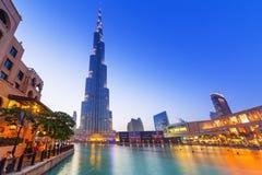 Alameda de Dubai na torre de Burj Khalifa em Dubai Fotografia de Stock