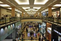 Alameda de los emiratos en Dubai Imagen de archivo libre de regalías
