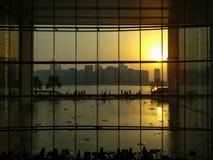 Alameda del boutique del Galleria en la isla de Al Maryah de la ciudad de Abu Dhabi, del nuevo centro comercial para las marcas d imágenes de archivo libres de regalías